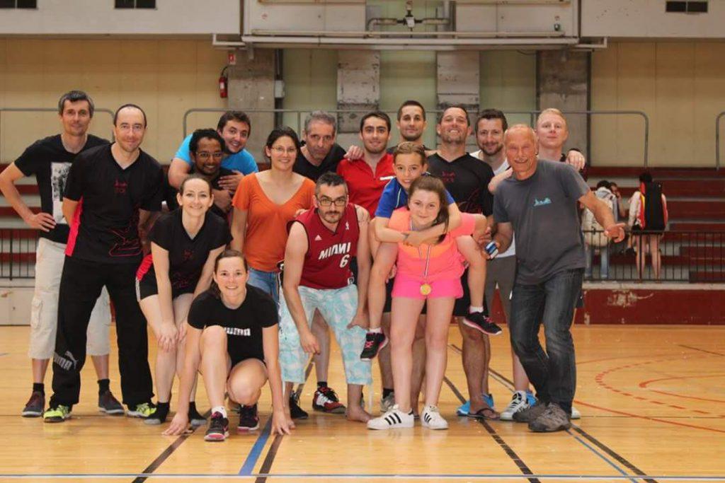 Une partie des sportifs Sorbérans du we (ils sont beaux, ils ont l'air sérieux et appliqués !)